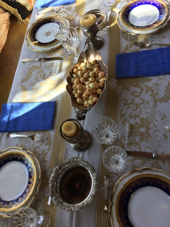 BLUE IN MY TABLE SETTING!